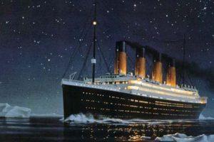 Titanic lähestyy tuhoaan